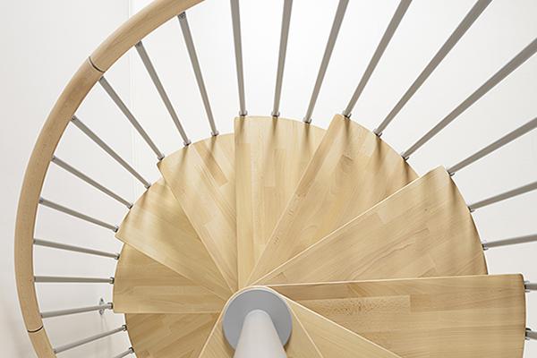 Cómo elegir una escalera de caracol